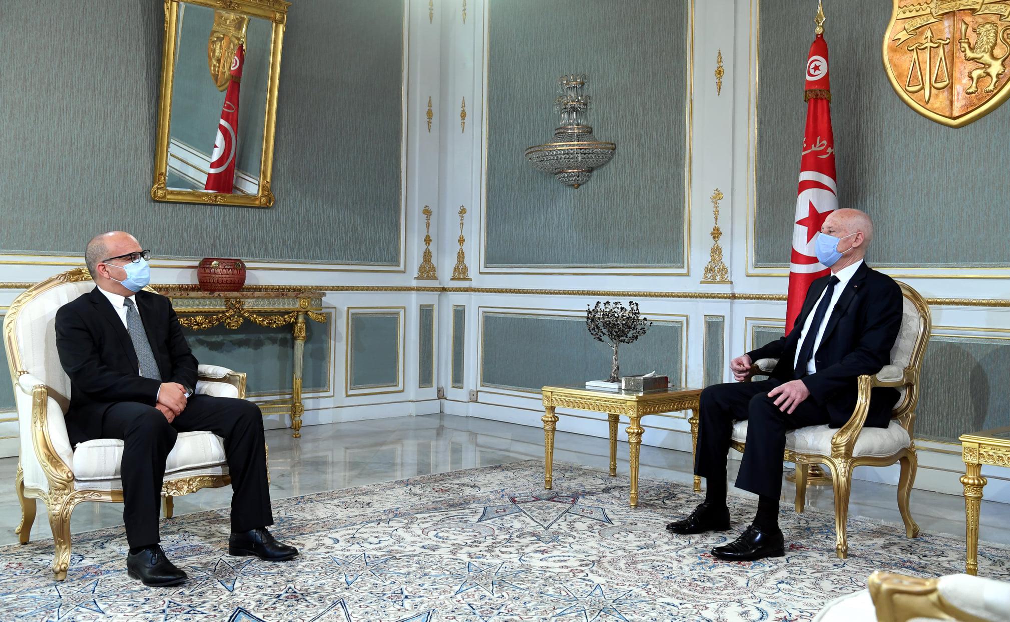 رئيس الجمهورية ويوسف بوزاخر